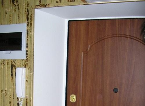 Как сделать откосы для входной двери