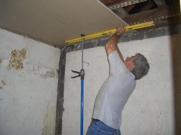 Потолок своими руками с помощью гипсокартона